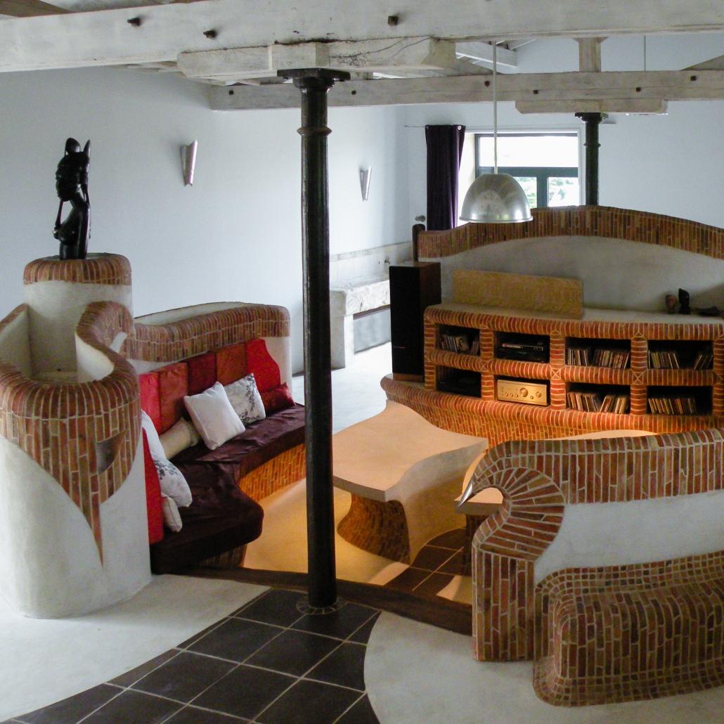 salon maçonné bâti décoration conception mobilier sur-mesure brique architecture d'intérieur décoration