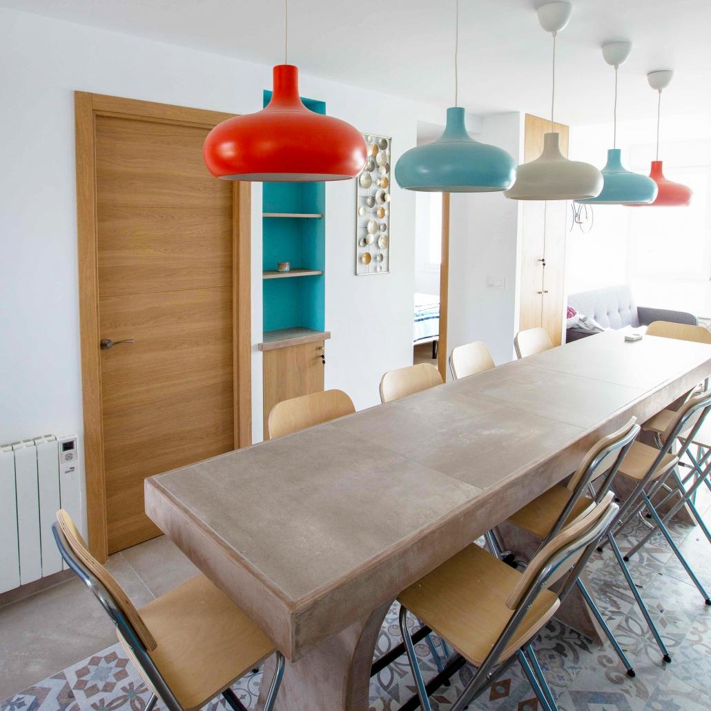 luminaires décoration harmonie architecture d'intérieur table béton sur-mesure mobilier carreaux de ciment
