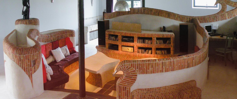 salon maçonné bâti conception mobilier sur-mesure brique architecture d'intérieur